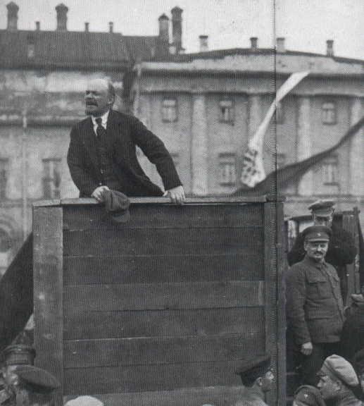 Lenin y Trotsky  en un discurso en 1917