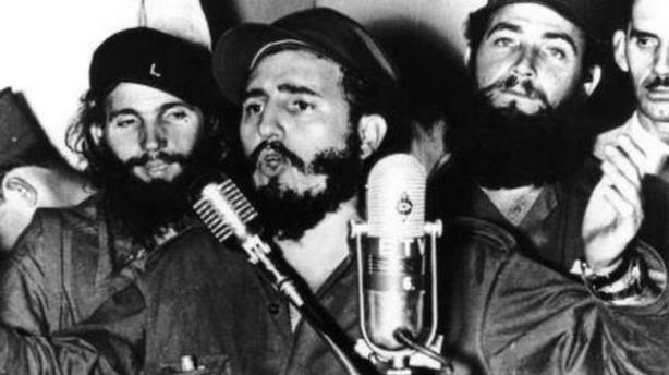 Fidel Castro habla a la nación en 1959, recién derrocado Batista